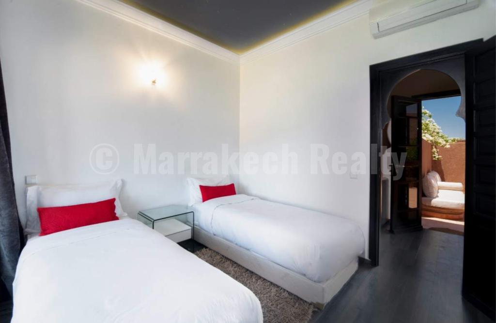 Villa-Riad de 3 chambres à vendre dans un domaine privé proche de Marrakech