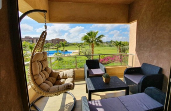 Bel appartement à louer meublé dans une jolie résidence avec golf