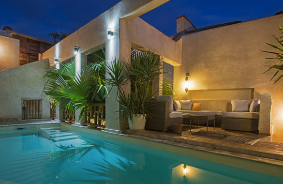 For rent: elegant 4 suites Riad with terrace-pool and direct car access
