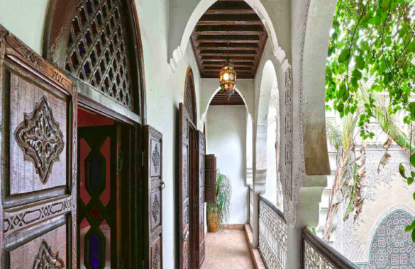 Majestic Riad with large courtyard and easy car access