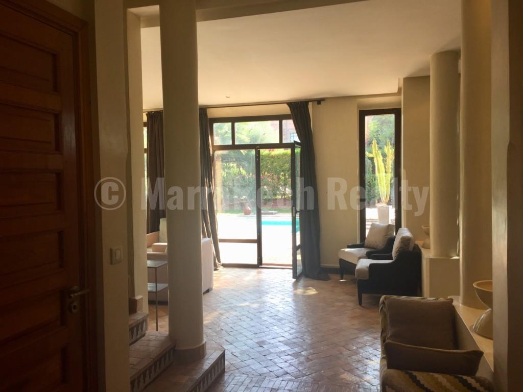 Jolie villa de 3 chambres à louer en longue durée dans une résidence golfique