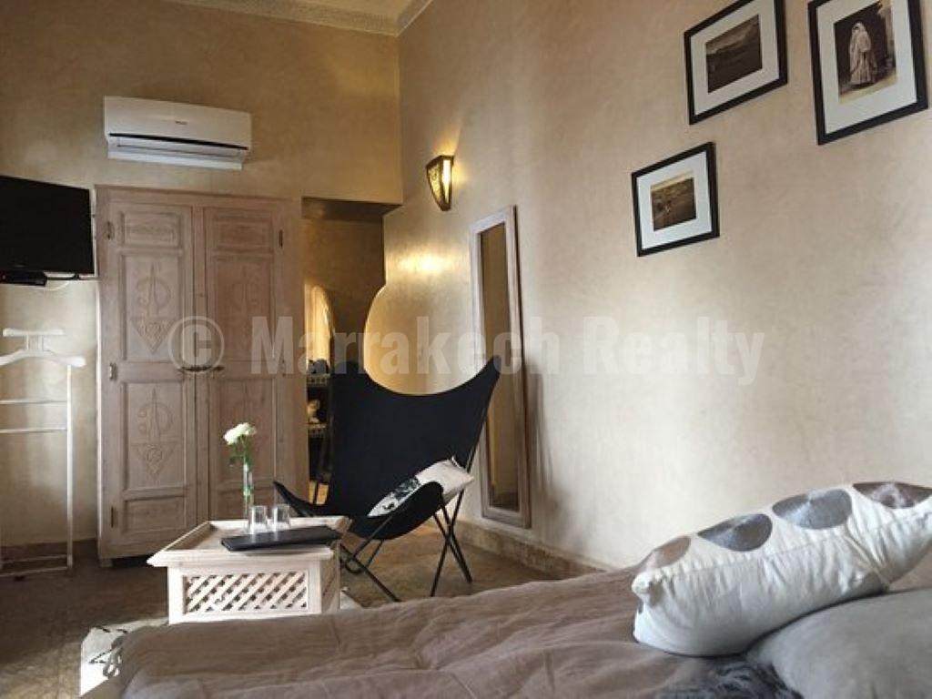Charmant Riad de 5 chambres avec spa et bassin en terrasse