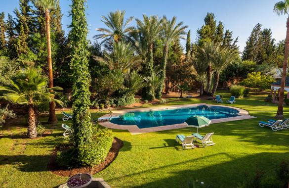 Luxueuse Villa d'Hôtes de 15 chambres à vendre en Palmeraie