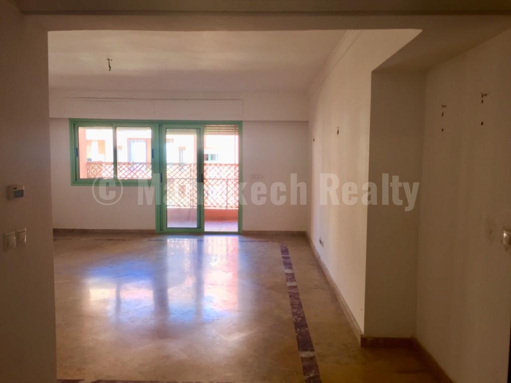 Bel appartement lumineux de 3 chambres avec terrasse en centre ville