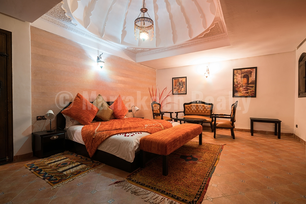 Just up for sale: 12 bedroom Boutique-Villa with prime location