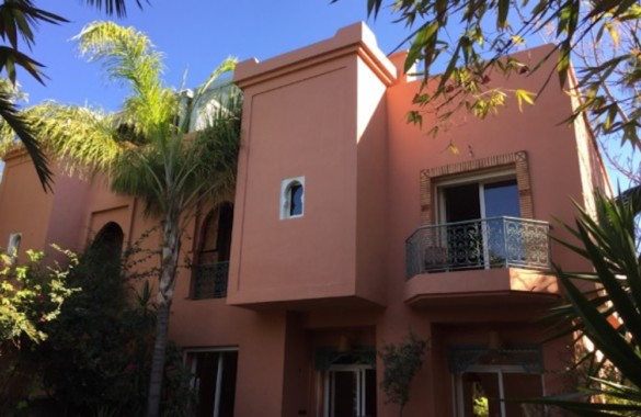 Charmante villa dans un domaine sécurisé à Marrakech