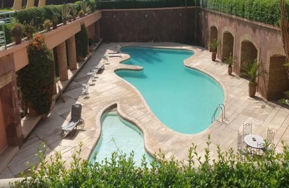 Bel appartement à vendre vide dans une résidence avec piscine