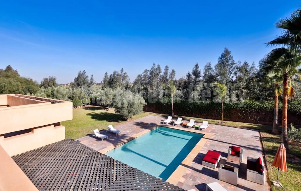 Belle villa de 6 chambres à vendre dans un domaine privé