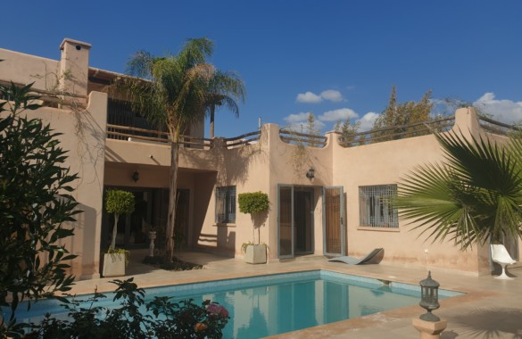 Sweet 3 bedroom house located 12 km from downtown Marrakech