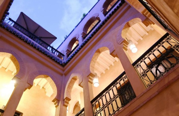 Traditional 7 bedroom Guest-House Riad a few steps from Jemaa el Fna