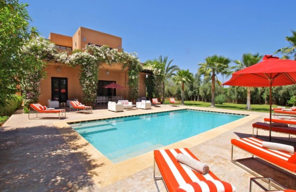 Elegant 6 bedroom villa for sale in an exclusive gated community
