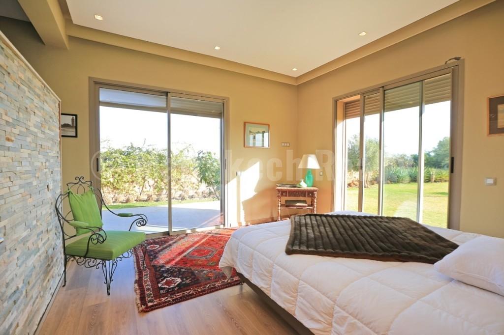 Superbe villa contemporaine de 4 chambres face à l'Atlas