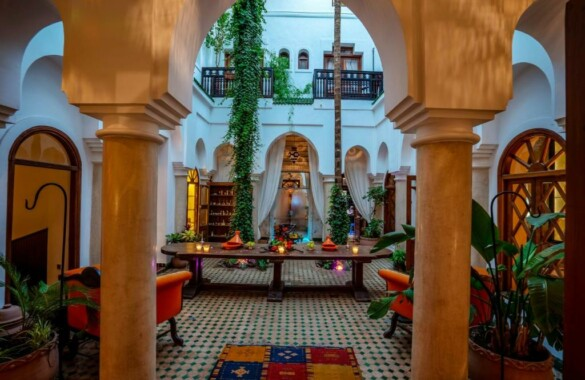Superb 9 bedroom Boutique-Riad with direct car access