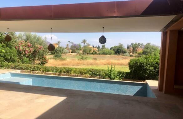Belle villa contemporaine en première ligne sur golf