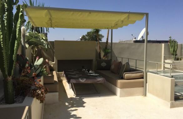 Beau Riad contemporain de 4 chambres avec bassin et spa