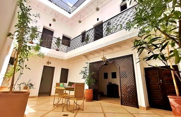 Charmant Riad rénové de 4 chambres idéalement situé